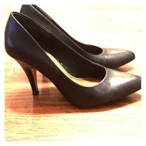 ALDO Black Leather Heels in Size 7